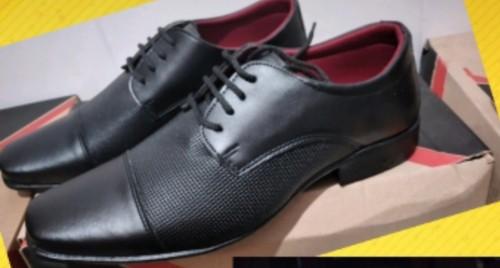 Sapato social preto fosco sintético